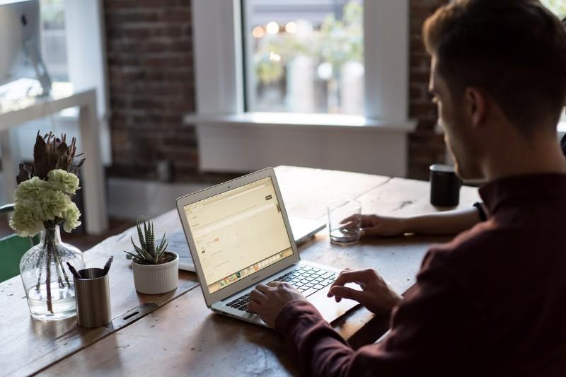 Cómo Actualizar tu Currículum: Guía Completa con Ejemplos