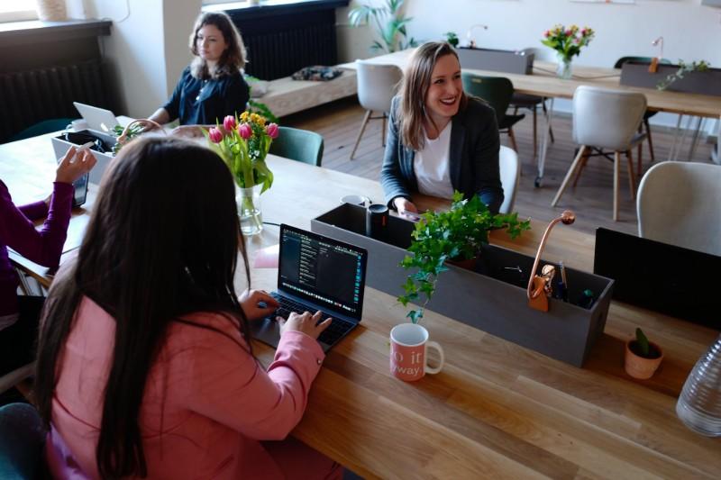 Cómo Preparar una Entrevista de Trabajo: +20 Consejos