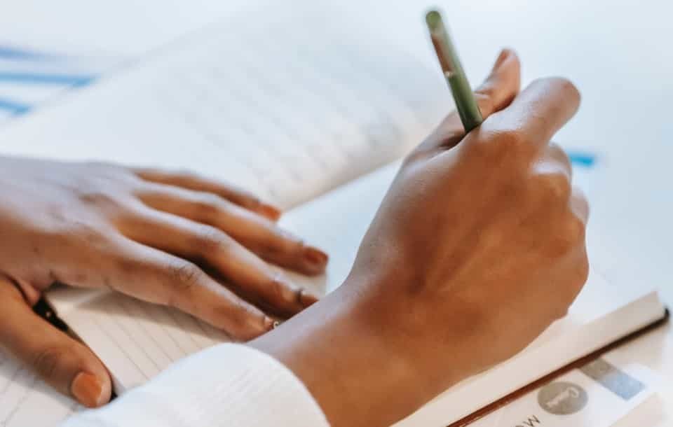 Currículum de Educador Social: Ejemplos y Guía Completa