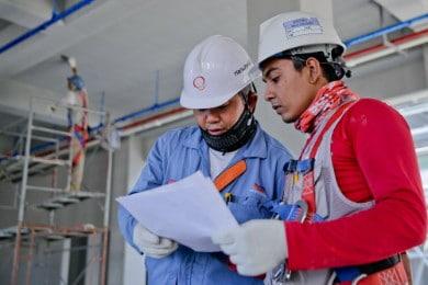 Currículum Ingeniero Civil: Ejemplos y Pasos para Escribirlo