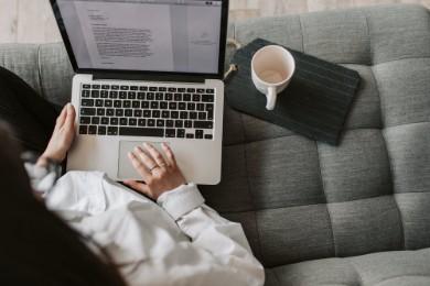 Cómo Hacer un Currículum de Limpiadora: Ejemplos y Guía