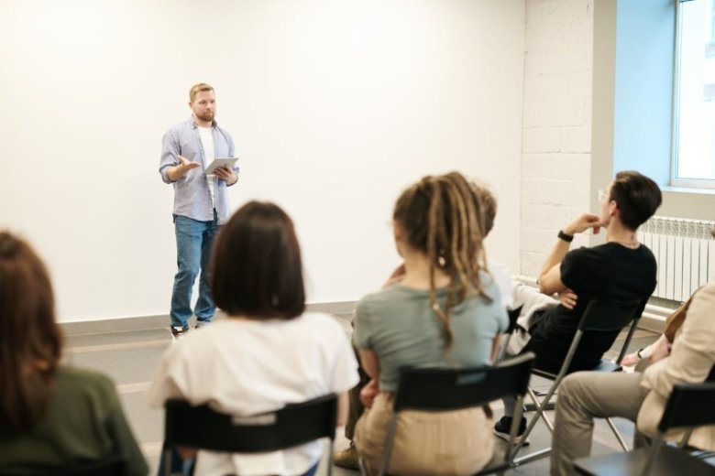 Curriculum vitae profesional para profesor: guía + ejemplos