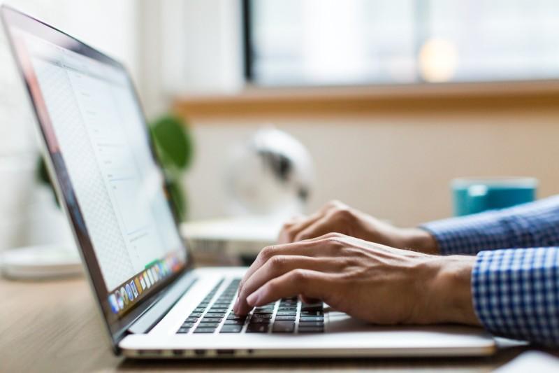 Curriculum Vitae de Administrativo: Guía Fácil con Ejemplos