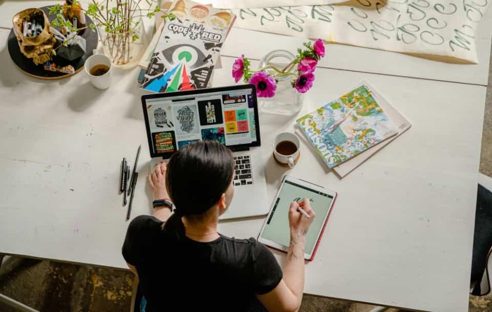 Cómo Hacer un CV de Ilustrador: Ejemplos y Guía Completa