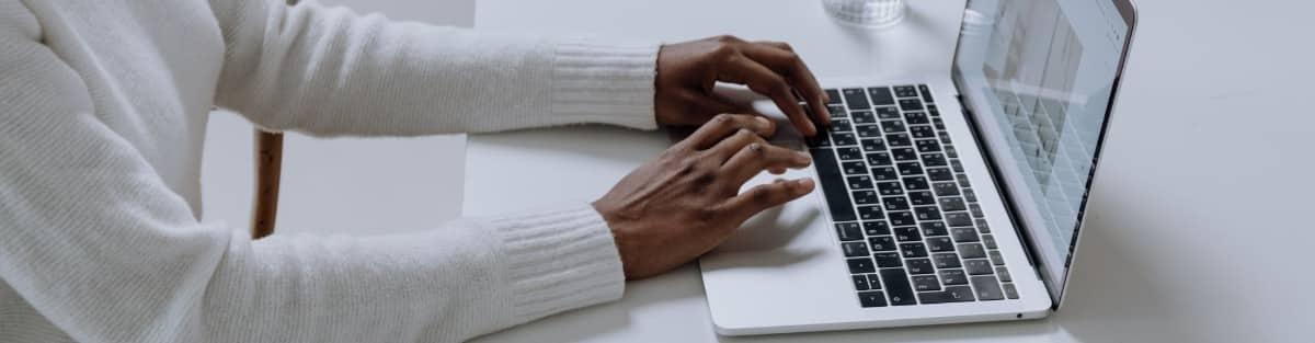 7 Consejos para Entregar tu Currículum en Mano: Qué Evitar
