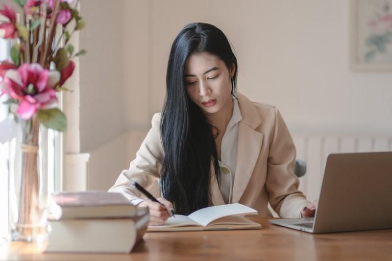 Crear y Enviar tu Currículum a Lefties: Consejos + Ejemplos