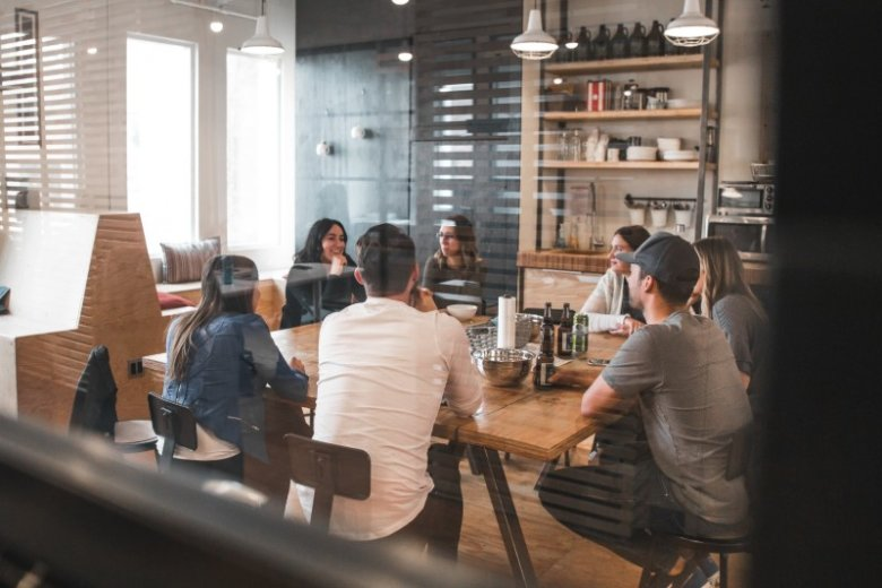 Qué es Networking y Por Qué es Útil Para Conseguir Empleo