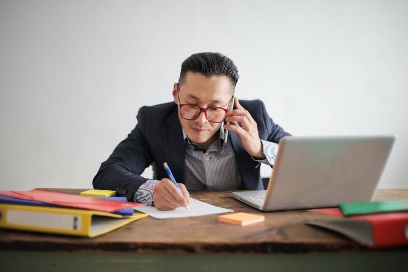 ¿Cómo Poner Referencias en tu Currículum? Ejemplos y Guía