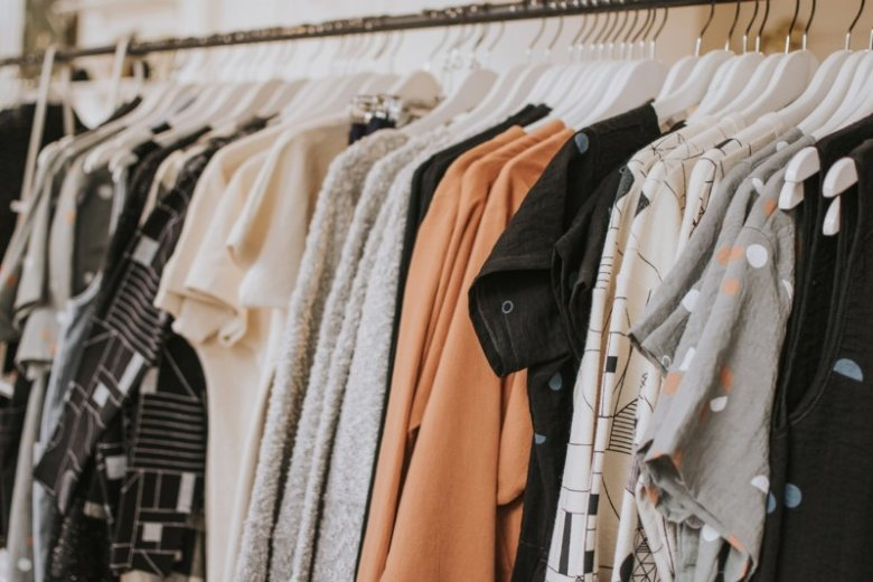 Crea y Envía tu Currículum Adaptado a Zara: Guía + Ejemplos